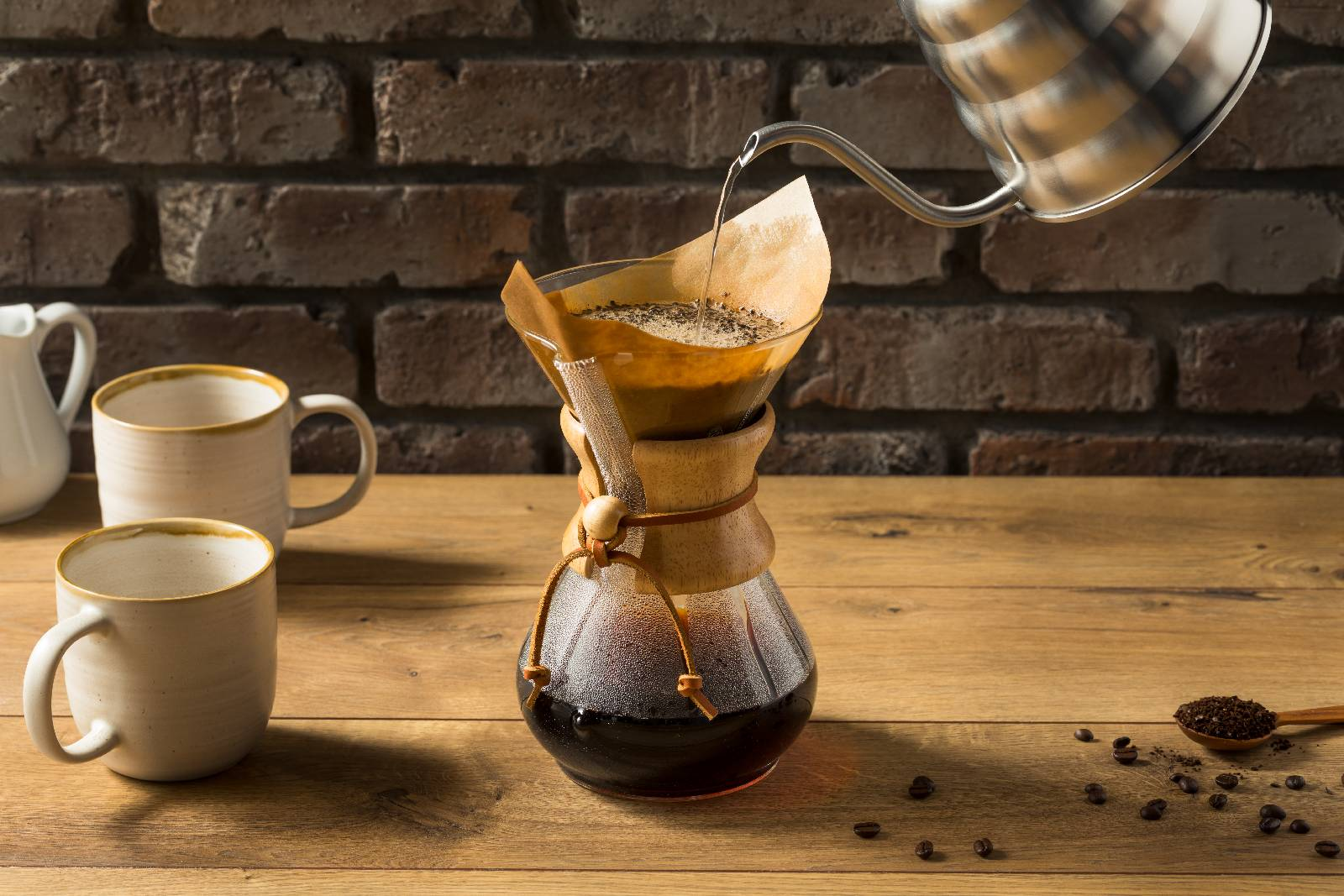 5 Ways To Make Coffee At Home - Homemade Pour Over Coffee with Chemex